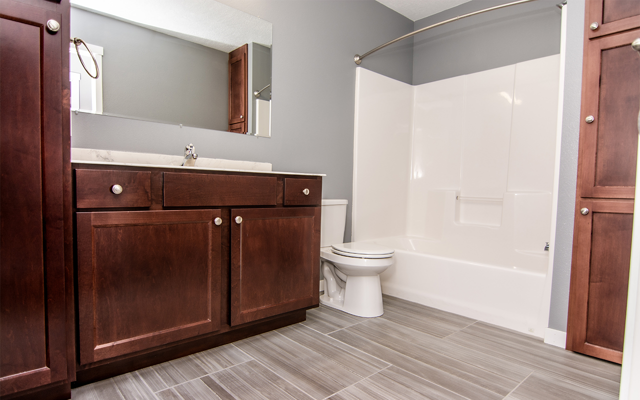 2416 7th Street_bathroom