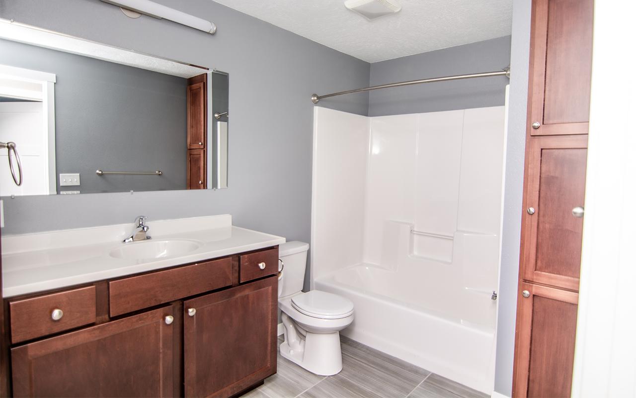 2416 7th Street_bathroom2